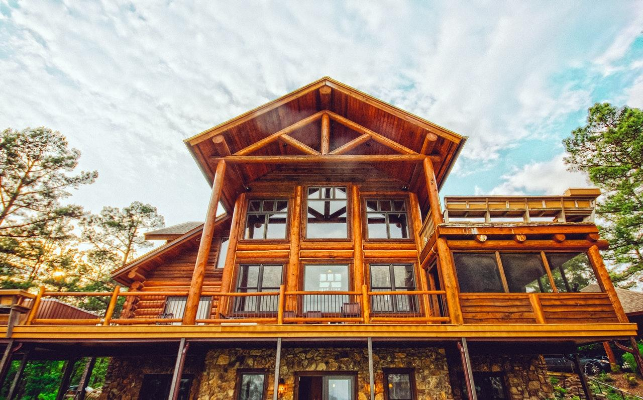 Read more about the article What to think about when buying a cottage